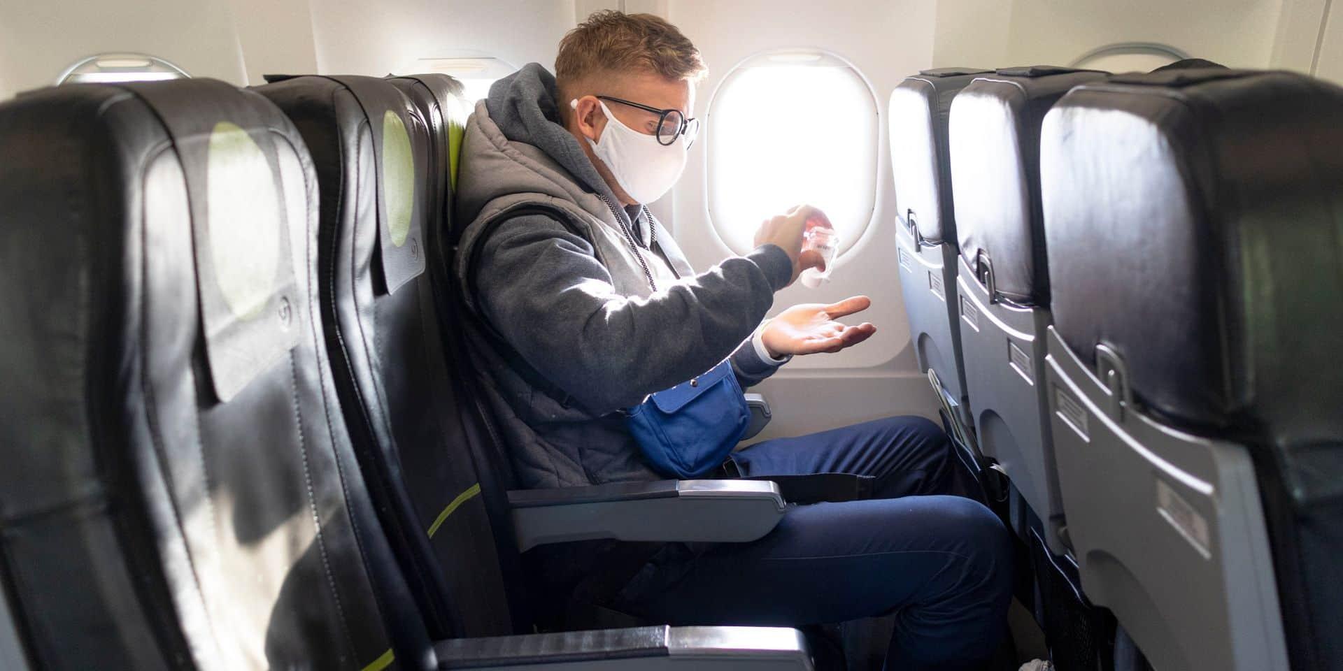 Quels sont les risques de transmission du coronavirus dans un avion ? Des chercheurs font le point