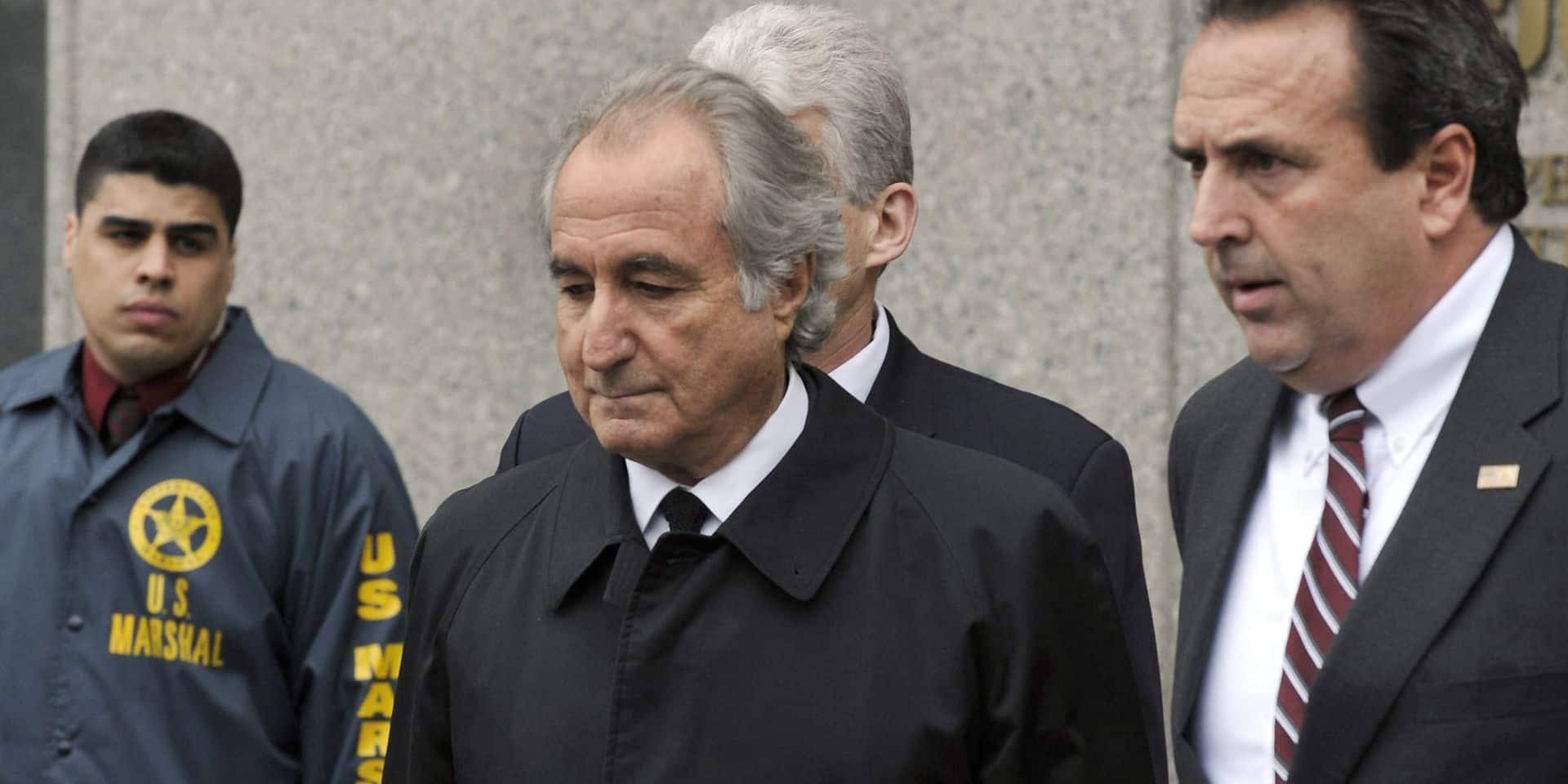 Benard Madoff, l'homme ayant escroqué plusieurs milliards de dollars grâce à un montage financier, est décédé