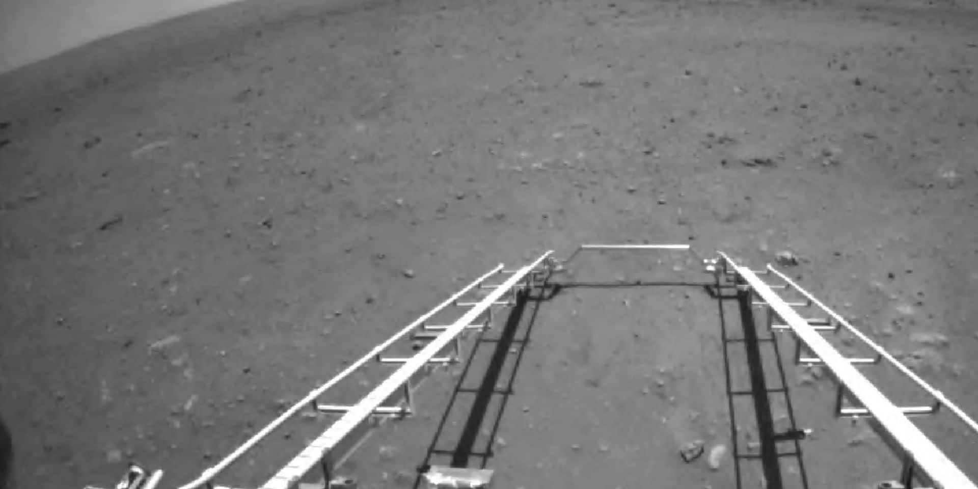 L'astromobile chinois sur Mars commence à explorer la planète rouge