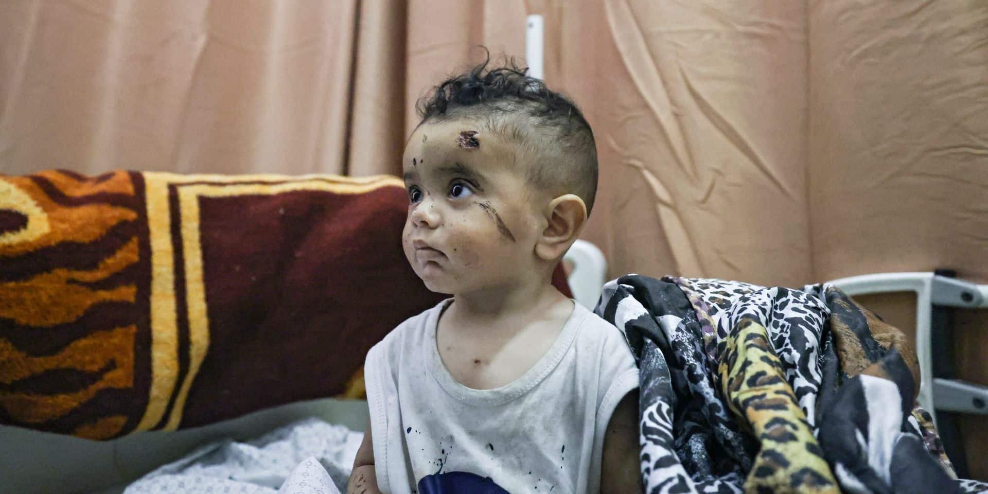 """La terreur, quotidien des enfants sous les bombes à Gaza: """"Dans leur sommeil, ils gardent souvent leurs mains collées à leurs oreilles"""""""