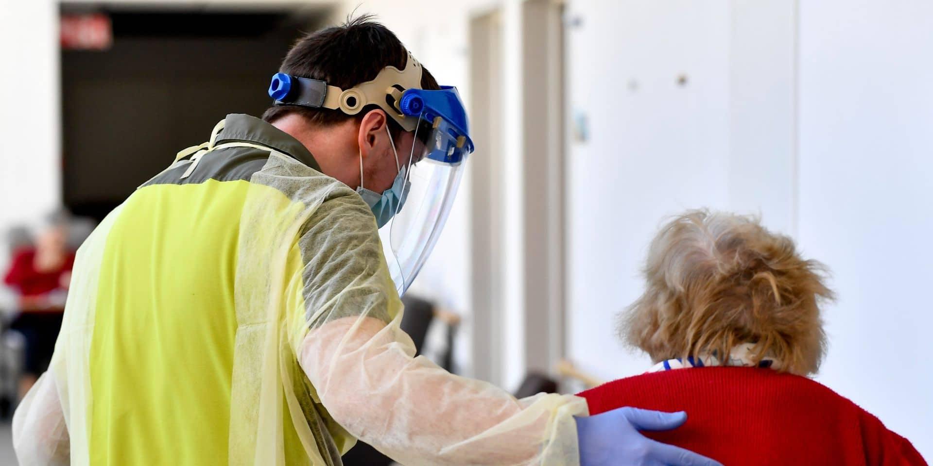 Toutes les maisons de repos wallonnes seront complètement vaccinées dans deux semaines, assure Christie Morreale