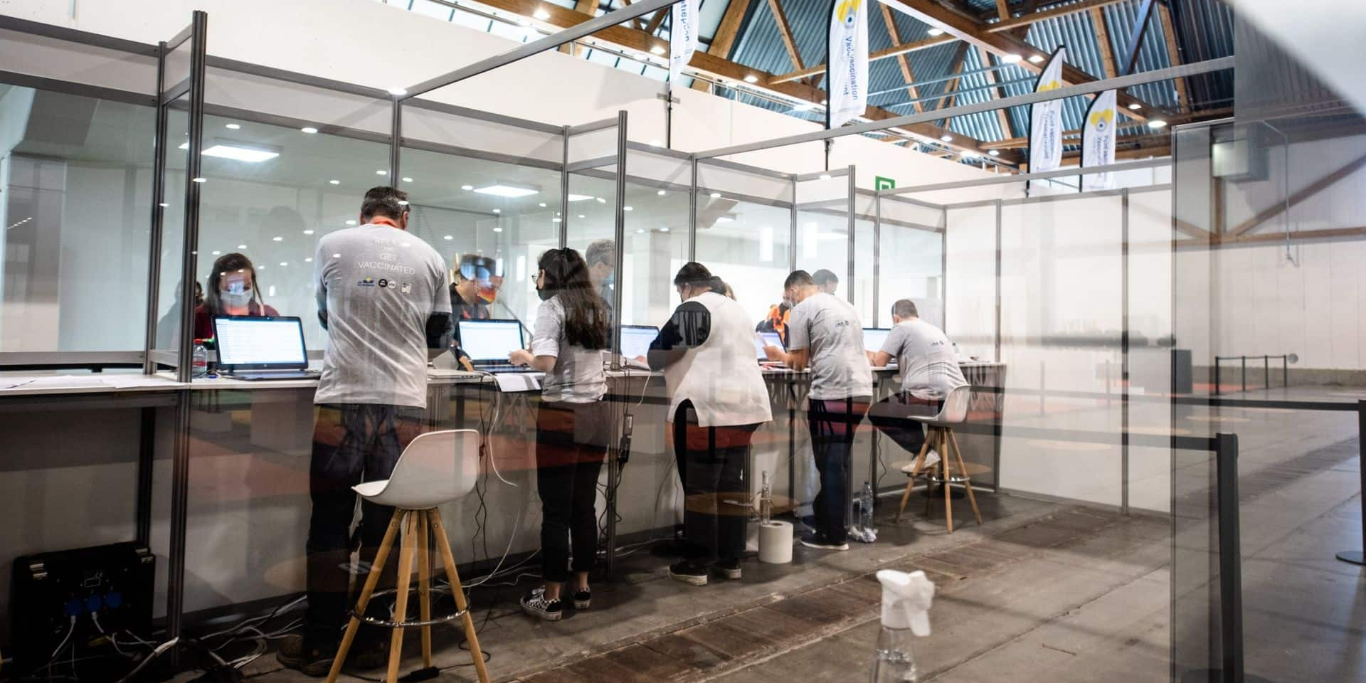 "Baromètre, testing, vaccination : Doclr, l'appli ""couteau suisse"" made in Flandre"
