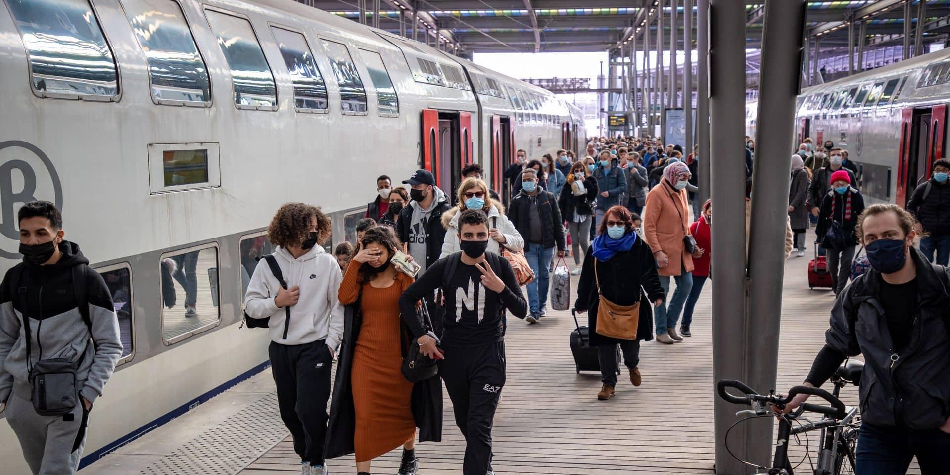 Limiter le flux des voyageurs vers la mer: le casse-tête imposé à la SNCB