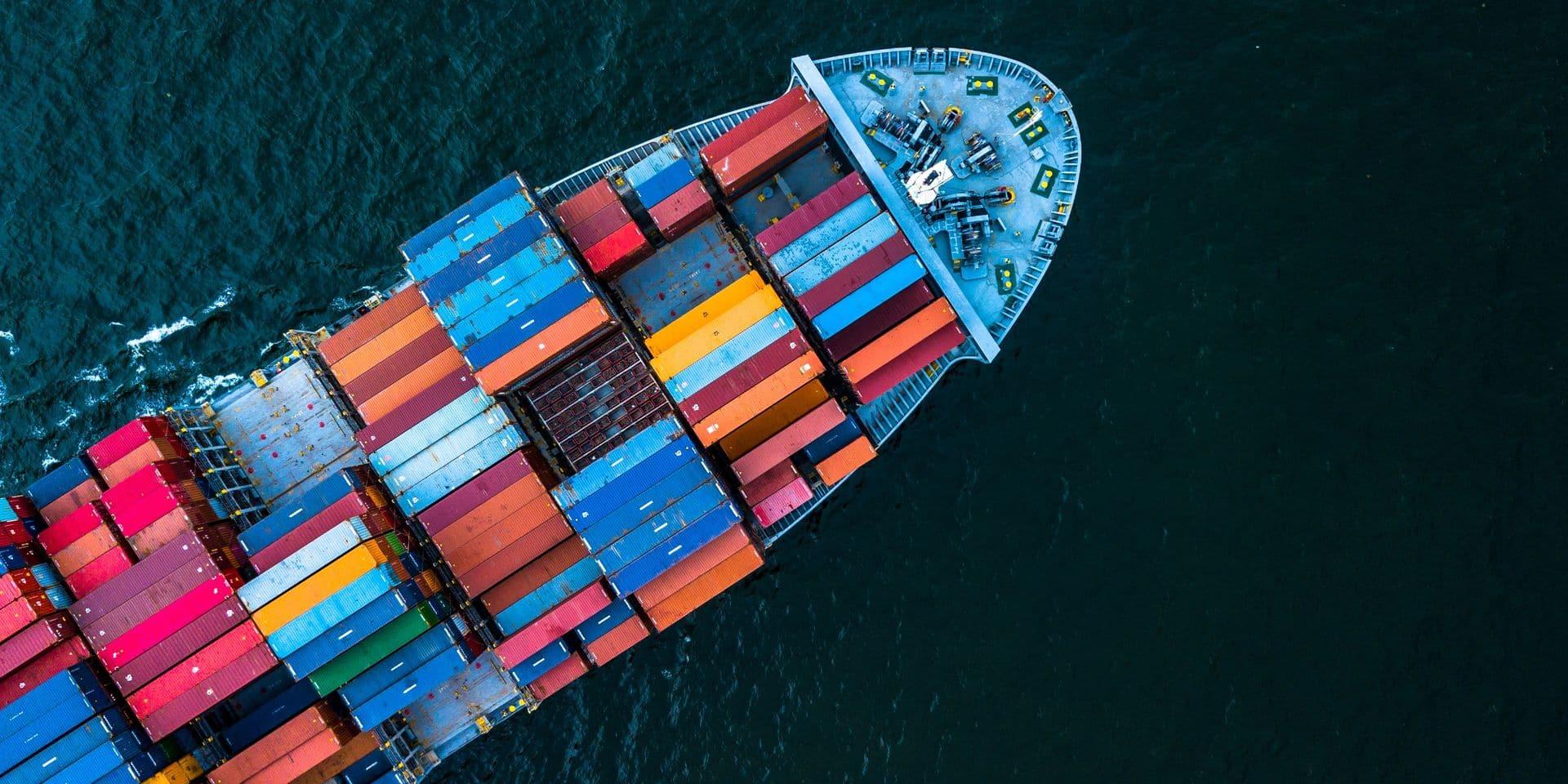 Le déficit commercial des Etats-Unis se réduit plus que prévu en septembre