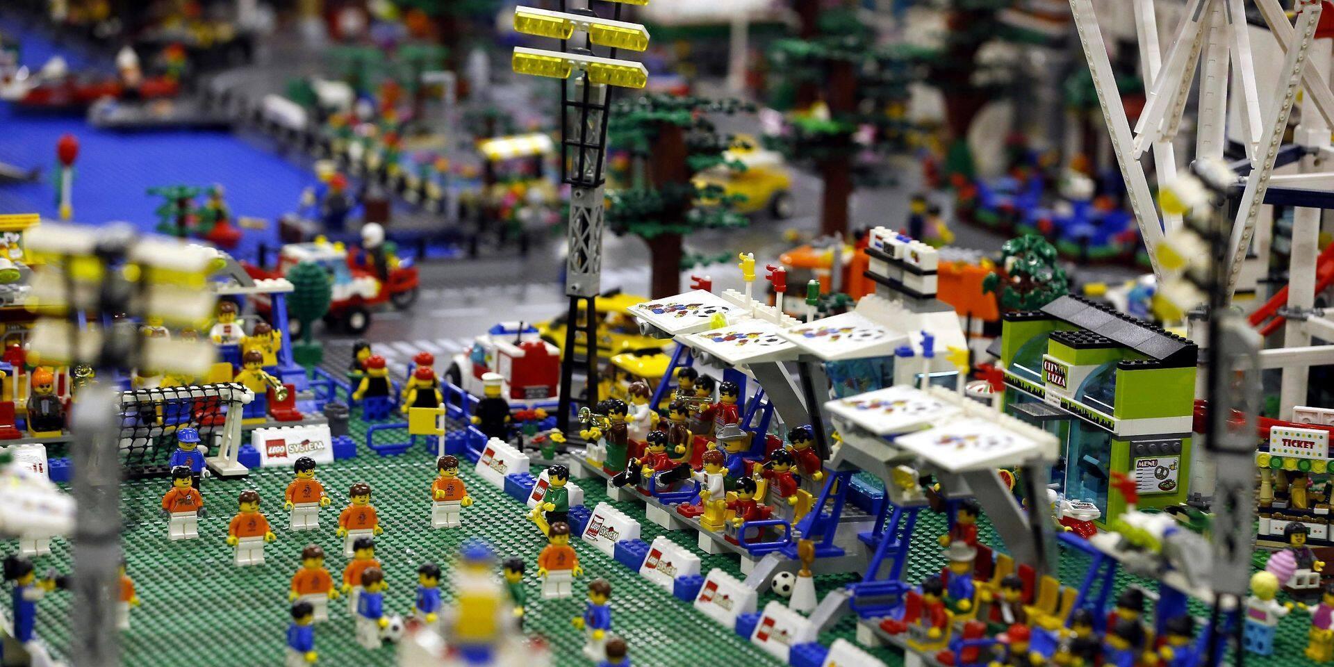 Lego suspend à son tour ses publicités sur les réseaux sociaux