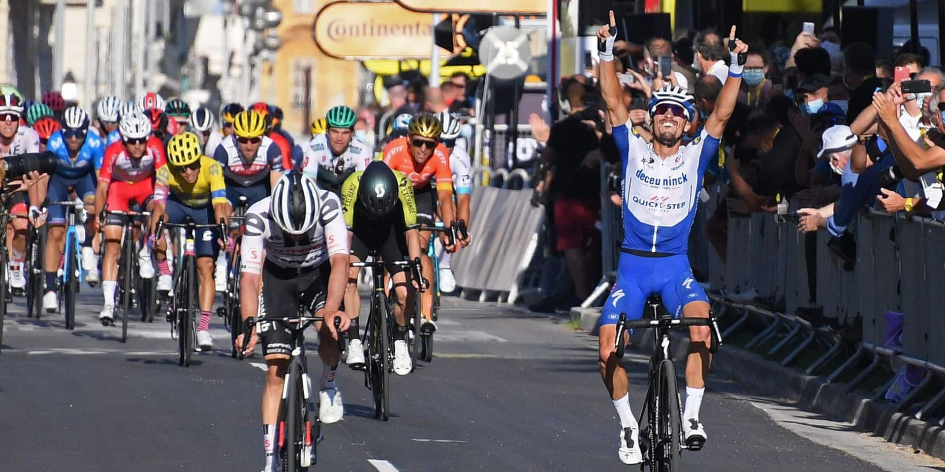 Tour de France: Alaphilippe gagne sur la Promenade des Anglais et prend le maillot jaune à Kristoff (VIDEOS)