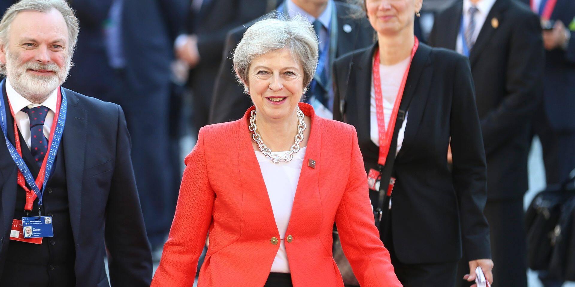 """Brexit: Theresa May a été """"humiliée"""" à Salzbourg, selon la presse britannique"""