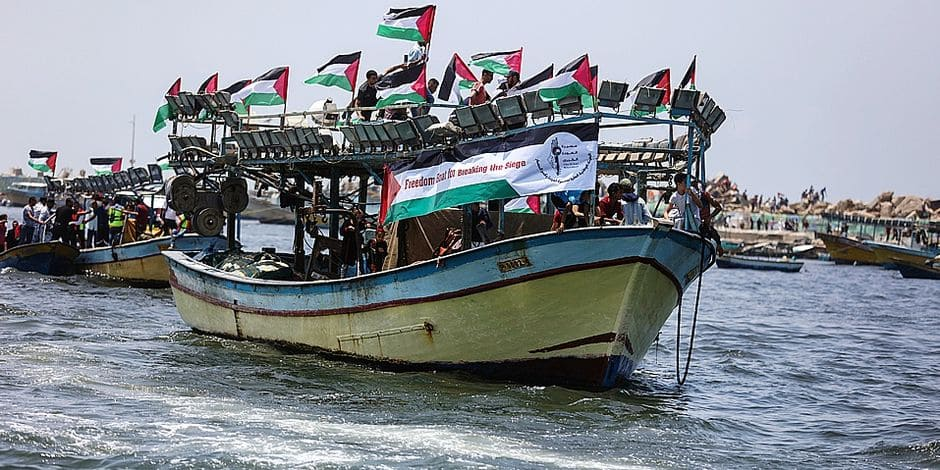 dpatop - Fishing boats carry patients and activests to protest and try to breach Israel's naval blockade on Gaza, at the sea in Gaza, Gaza Strip, 29 May 2018. The Gaza Strip has been under Israeli blockade for more than a decade. Photo: Wissam Nassar/dpa Reporters / DPA