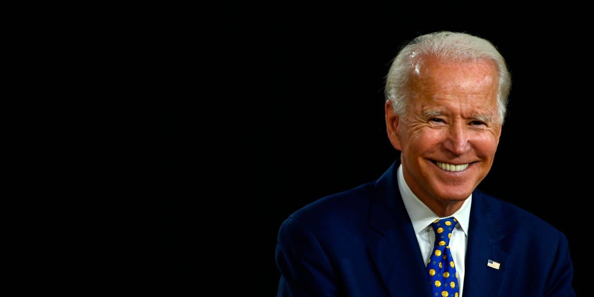 """""""Vous n'aurez pas à vous soucier de mes tweets"""": Biden s'amuse des manies de Trump"""