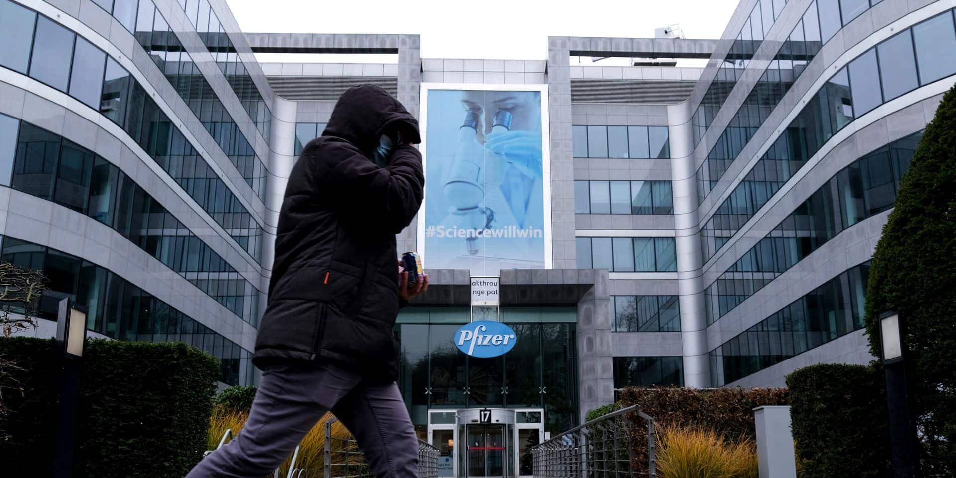 """Pfizer Belgique lance un essai clinique d'un traitement antiviral contre le SRAS-CoV-2 : """"Une étape importante"""""""