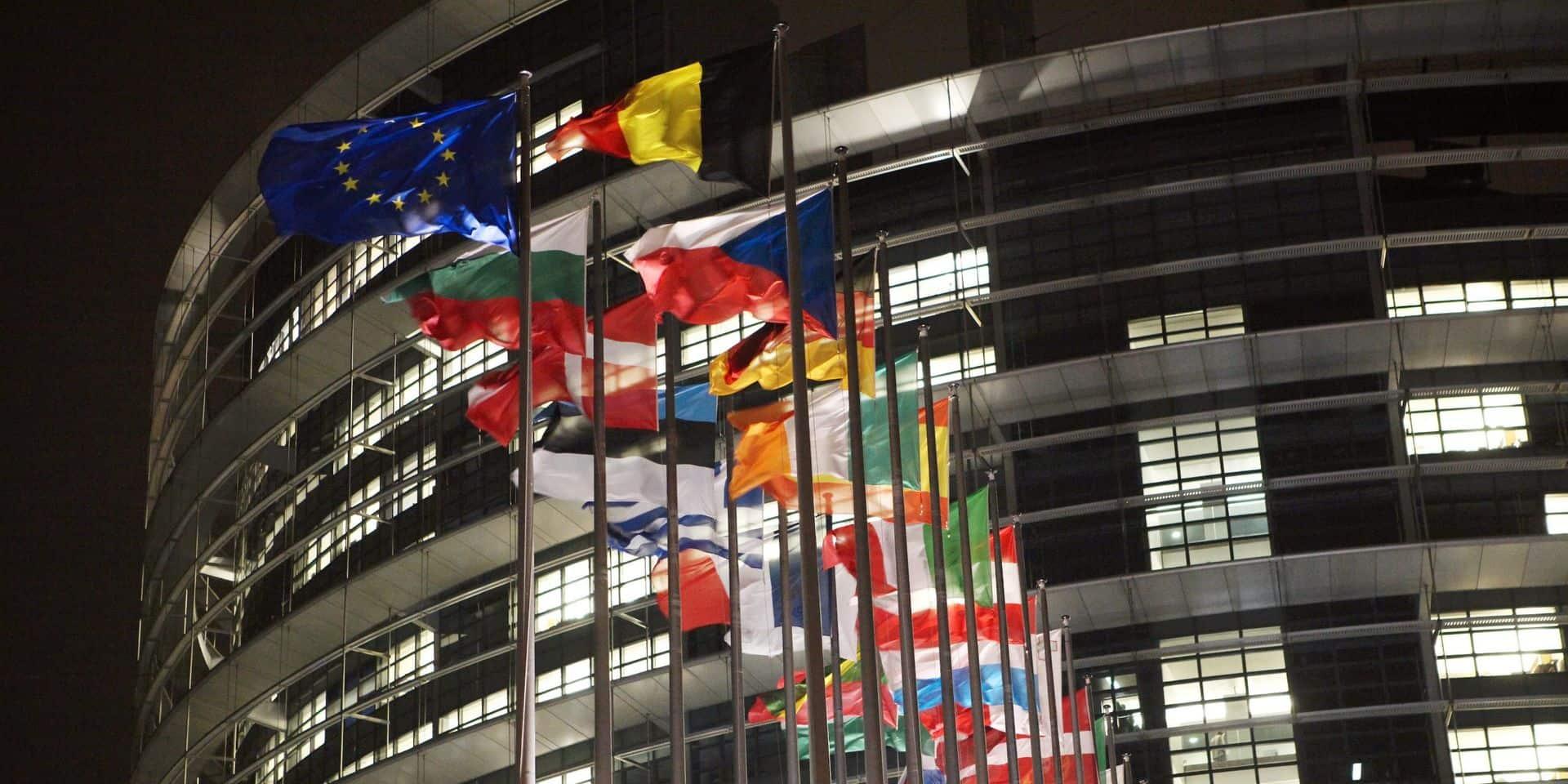 Bruxelles-Strasbourg: la plupart des 120 voitures du Parlement font le trajet... à vide