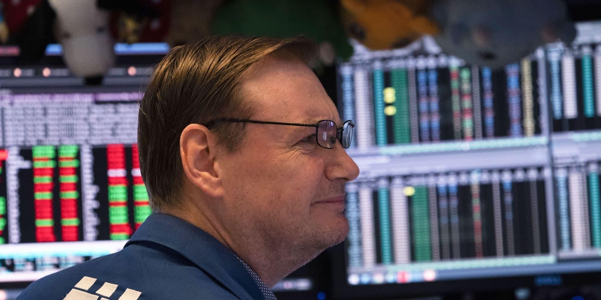 """L'oeil du marché: les Bourses regardent """"avec inquiétude la décomposition du gouvernement italien"""""""