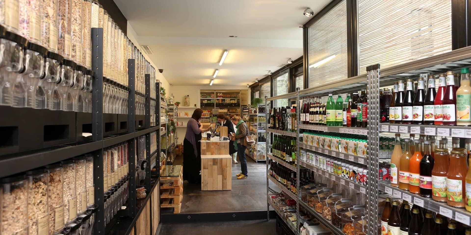 """Le secteur du commerce enjoint les clients à revenir dans les magasins: """"Nous sommes nombreux à être au bord du gouffre"""""""