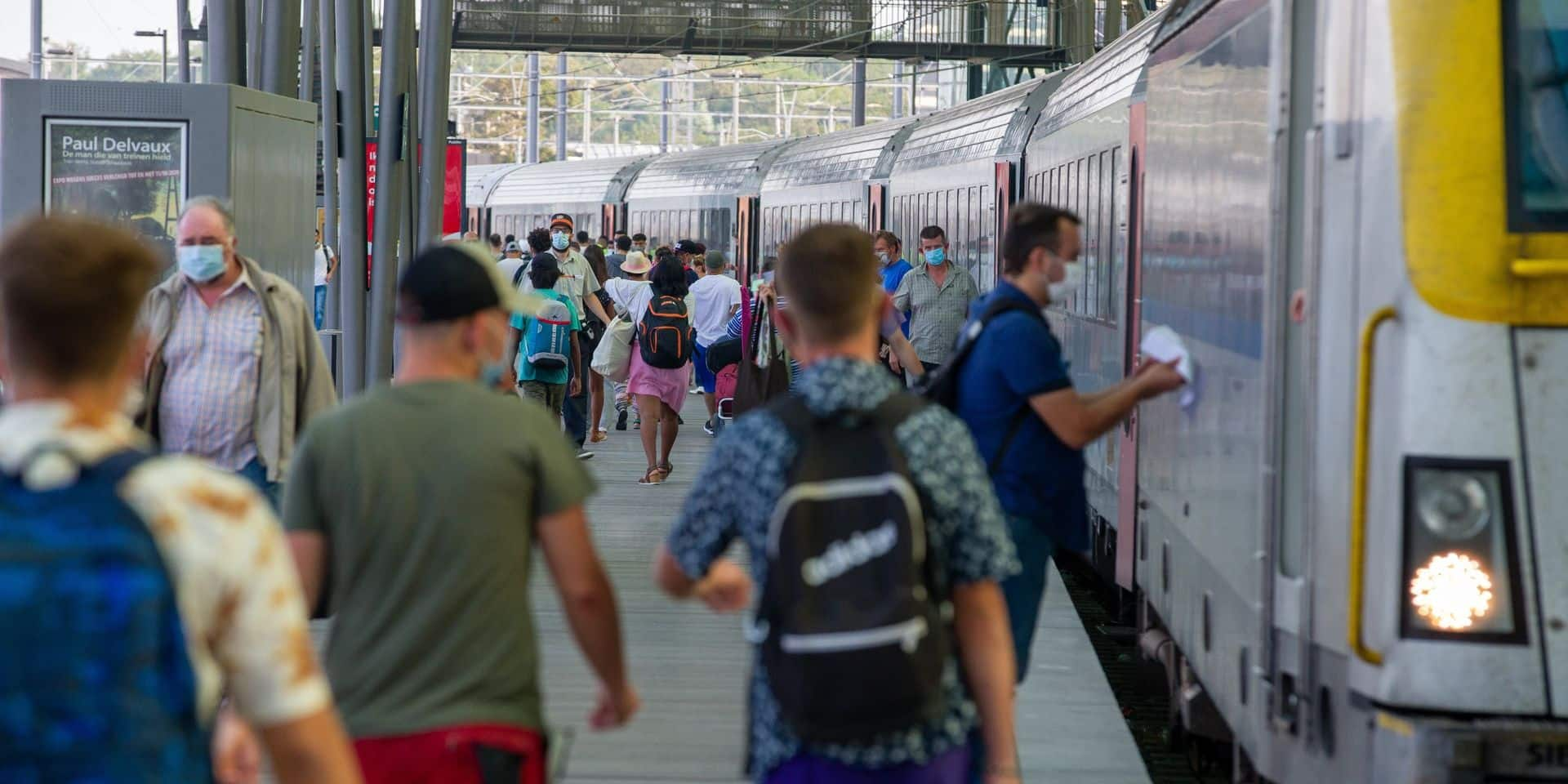 """La SNCB supprime des trains à destination de la Côte: """"Ce n'est pas une bonne idée de s'y rendre en masse par ces temps de coronavirus"""""""