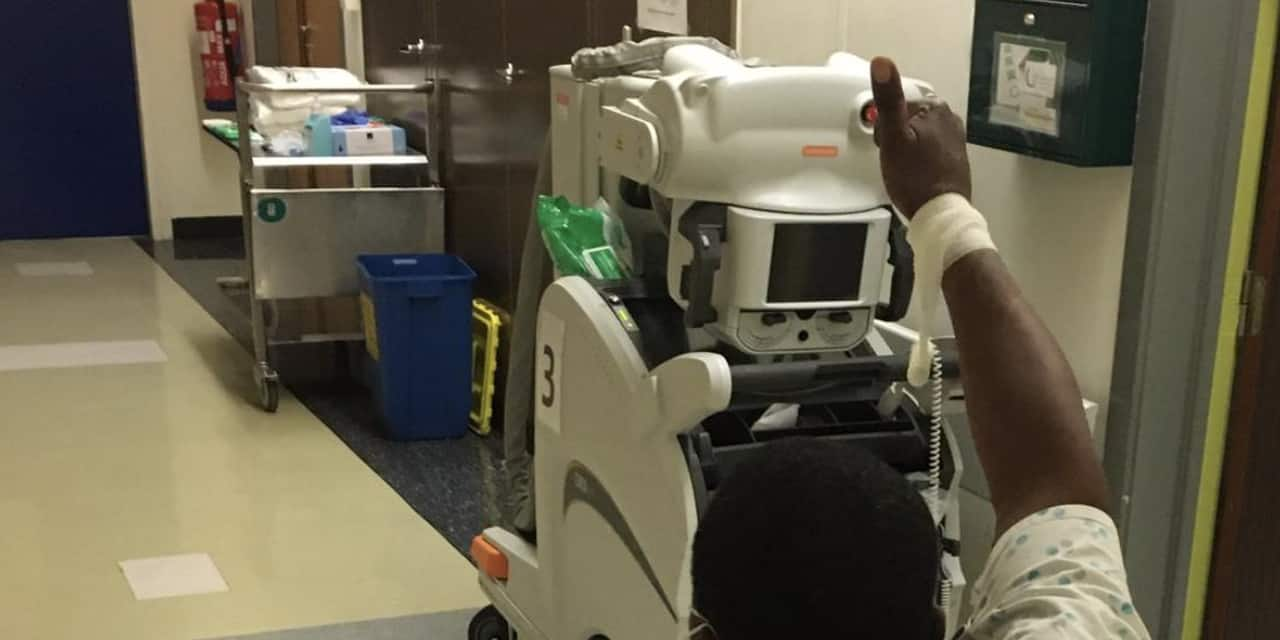Le premier patient de l'UZ Brussel branché à un respirateur a pu quitter les soins intensifs