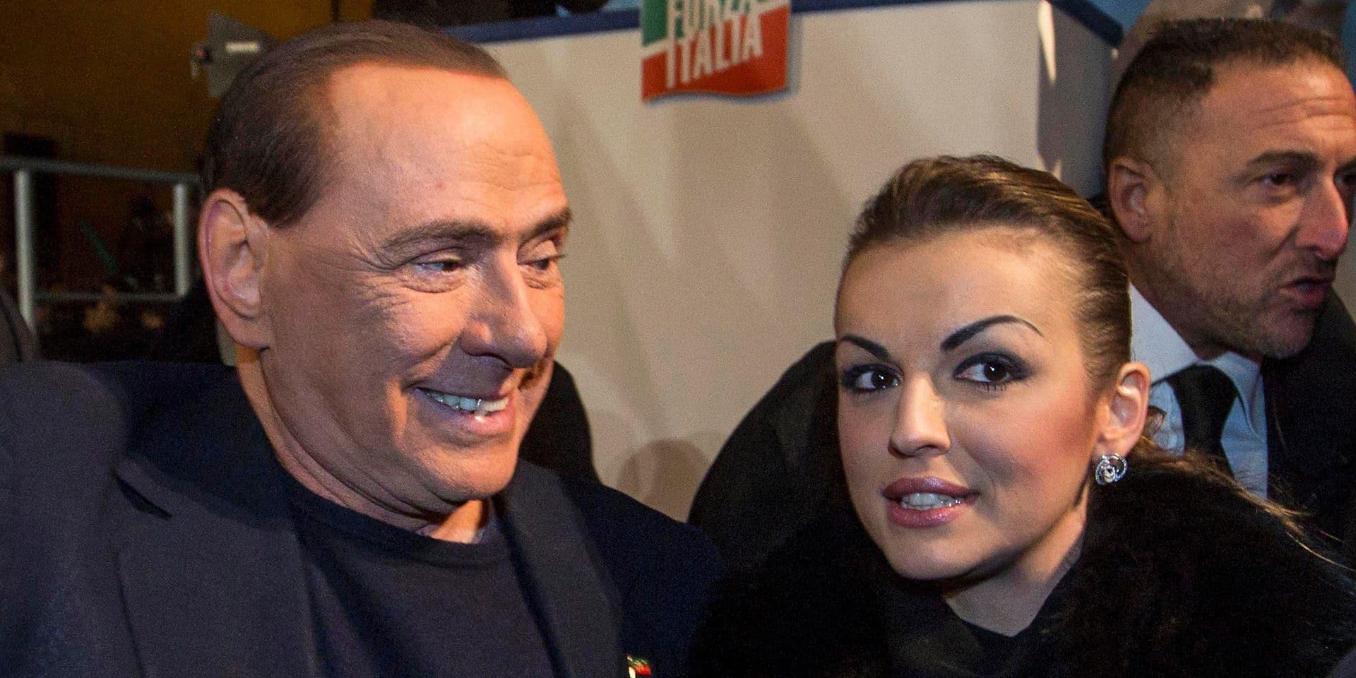 Berlusconi, 83 ans, quitte sa compagne de 34 ans pour une femme plus jeune