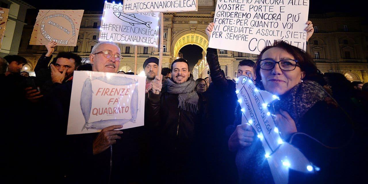 """""""Nous voulons que les gens recommencent à se poser les bonnes questions"""": succès grandissant pour le mouvement anti-Matteo Salvini"""