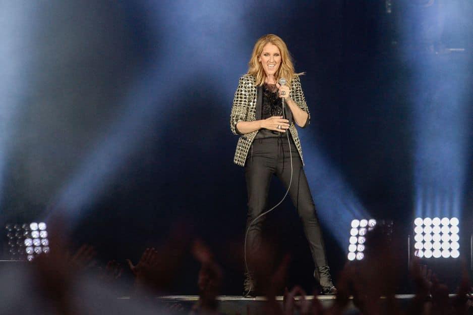 A 50 ans, la chanteuse déploie toujours une folle énergie sur scène.