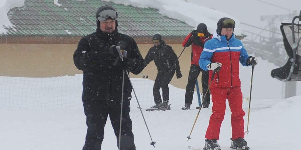 Après une réunion diplomatique, Poutine et Loukachenko se retrouvent sur les pistes de ski