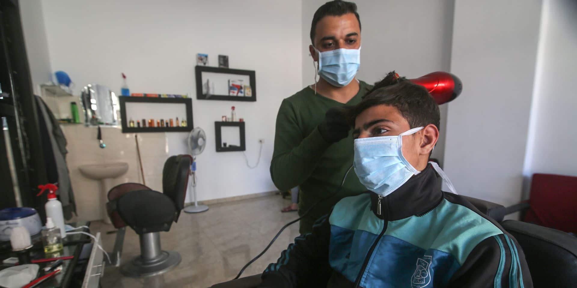 """Coronavirus: les coiffeurs belges montent au créneau et dénoncent une """"décision très contradictoire"""" de la part du gouvernement"""