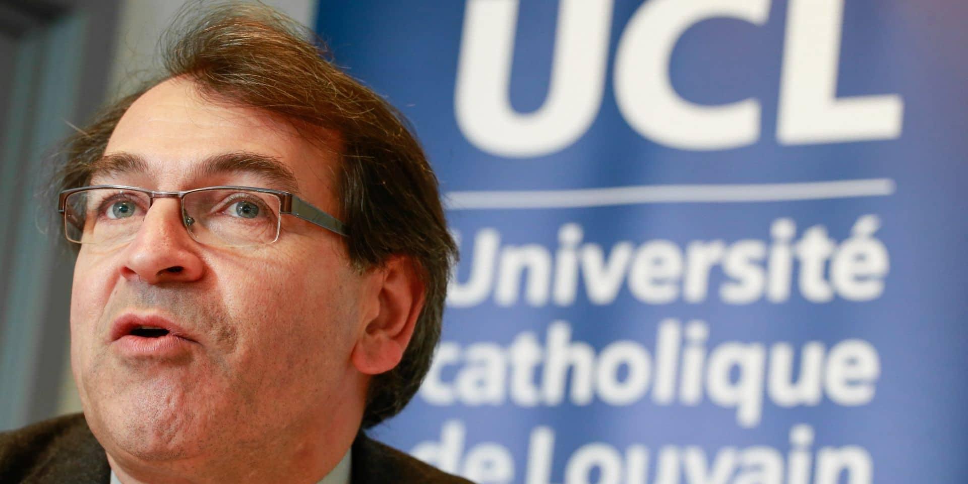 """Jean-Christophe Renauld, prorecteur en recherche à l'UCLouvain : """"les vaccins ont déjà sauvé 1000 vies en Belgique"""""""