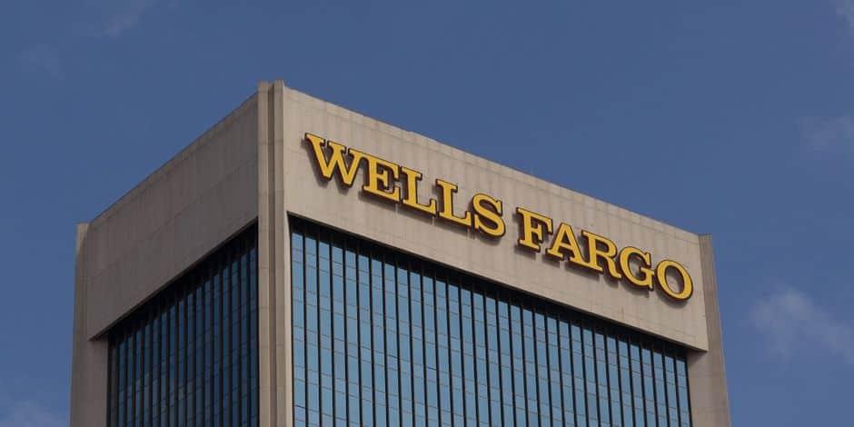 Le patron de Wells Fargo s'excuse pour des commentaires sur la diversité raciale