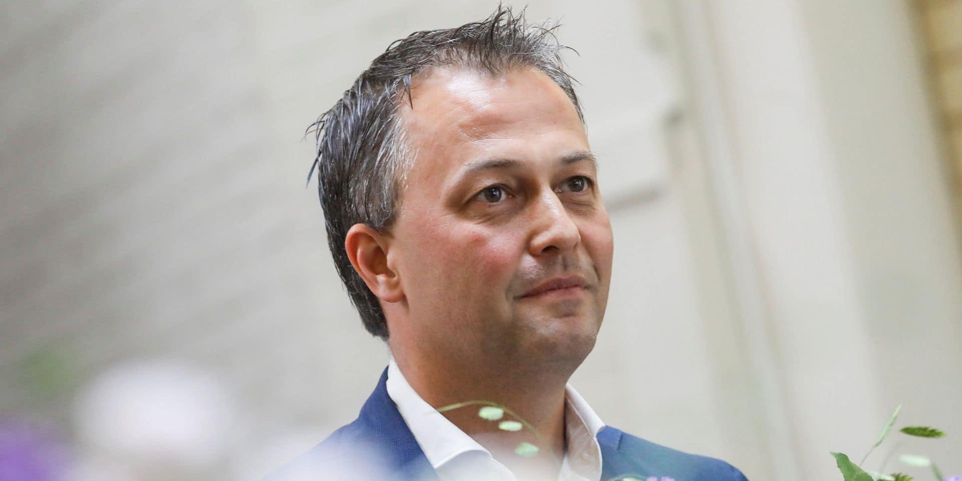 Le nouveau président de l'Open Vld exclut de discuter avec le Vlaams Belang