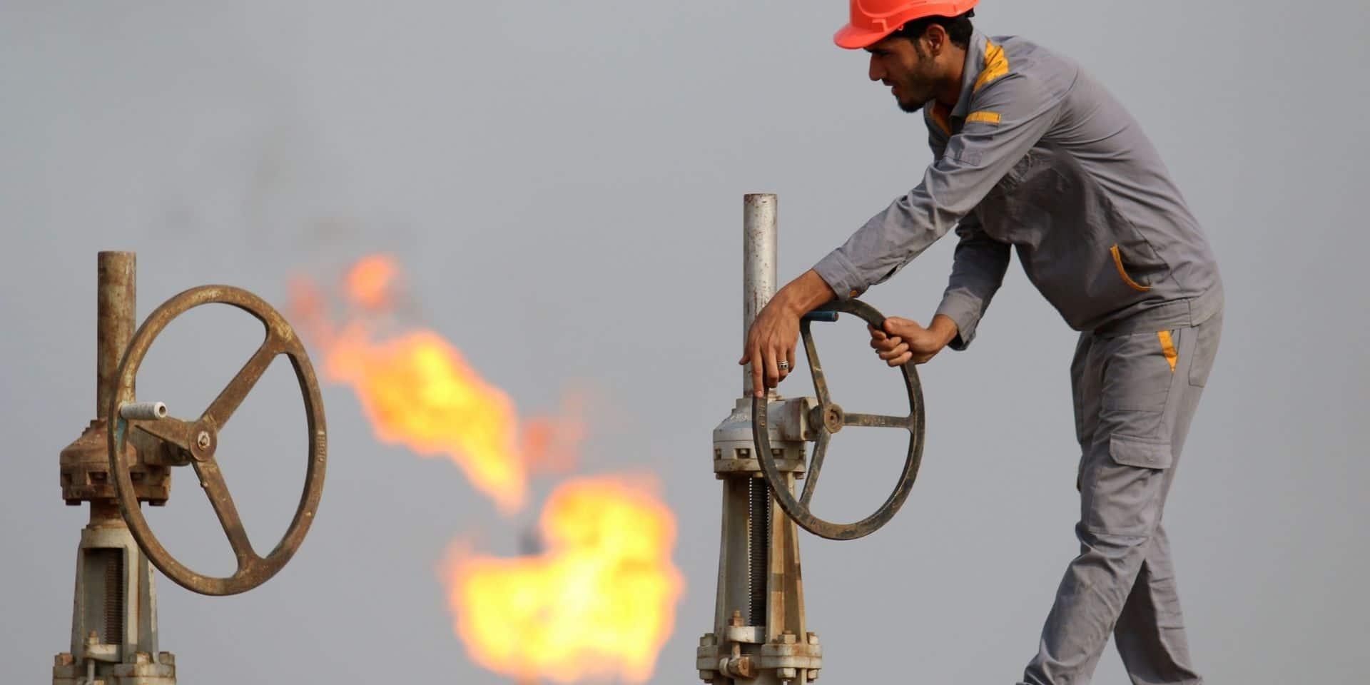 Le pétrole new-yorkais sombre de 10%, scepticisme sur l'accord Opep+