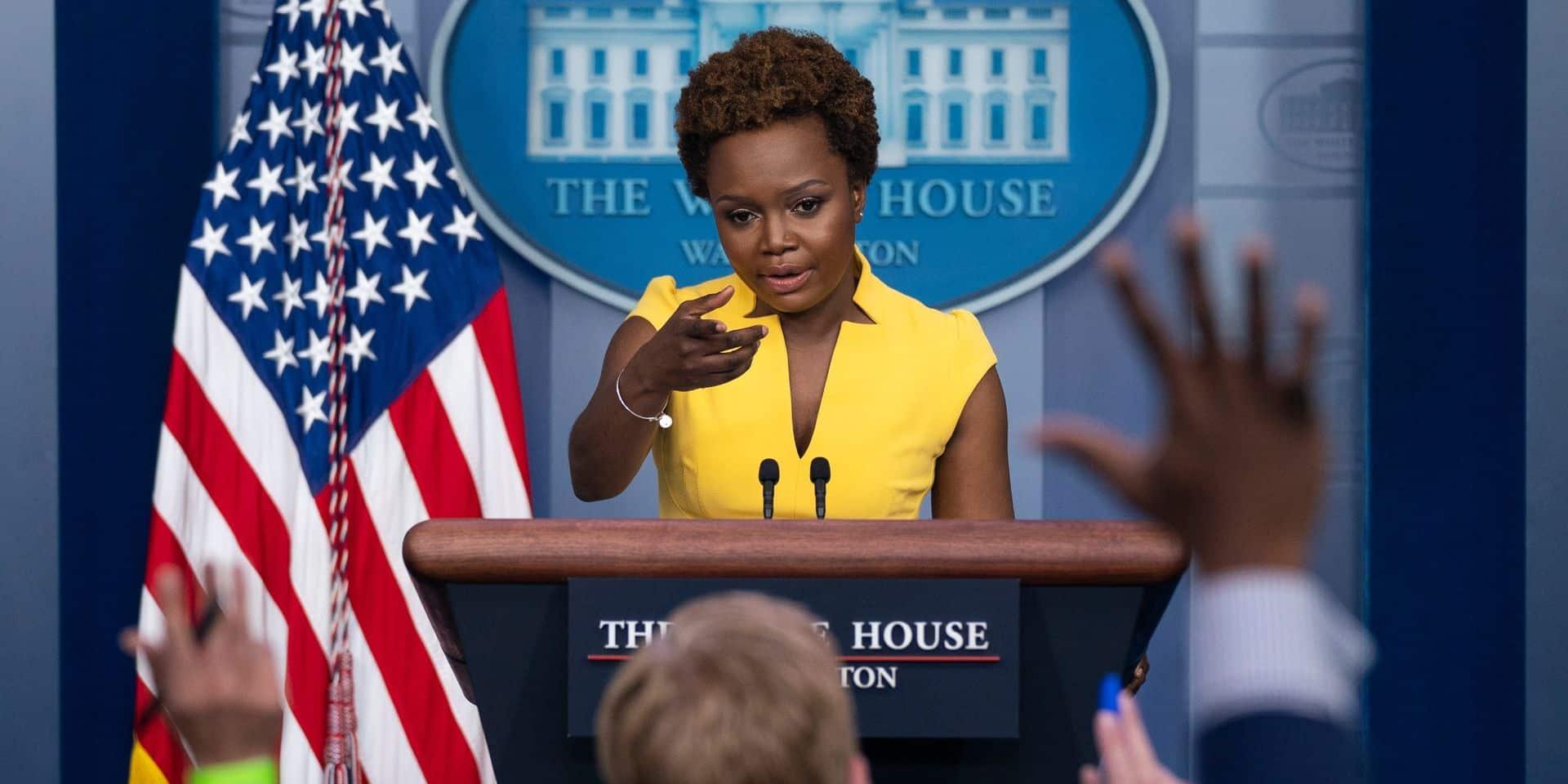 """""""Je suis tout ce que Donald Trump déteste"""" : Karine Jean-Pierre passe derrière le pupitre et marque l'histoire de la Maison Blanche"""