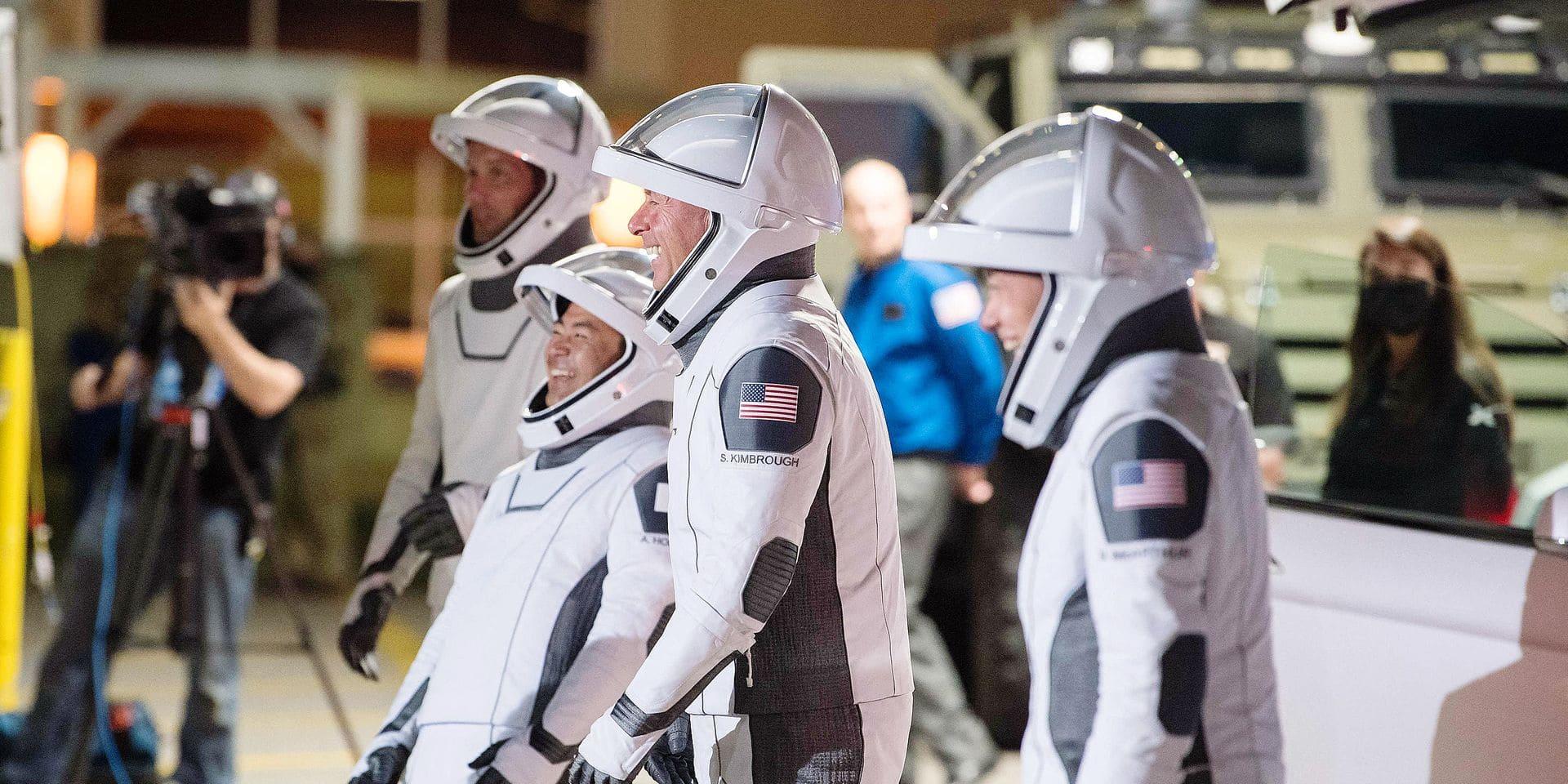 Quatre à six astronautes vont être recrutés par l'Esa, tandis qu'entre 10 et 20 spationautes de réserve seront également engagés.