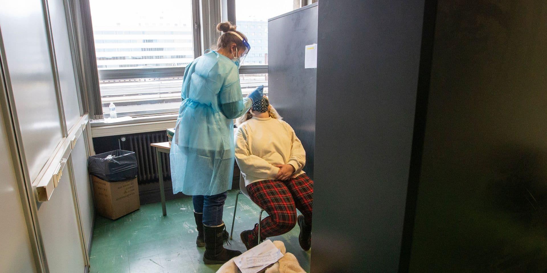 Coronavirus en Belgique : la moyenne des nouvelles infections quotidiennes repasse sous la barre des 2.000