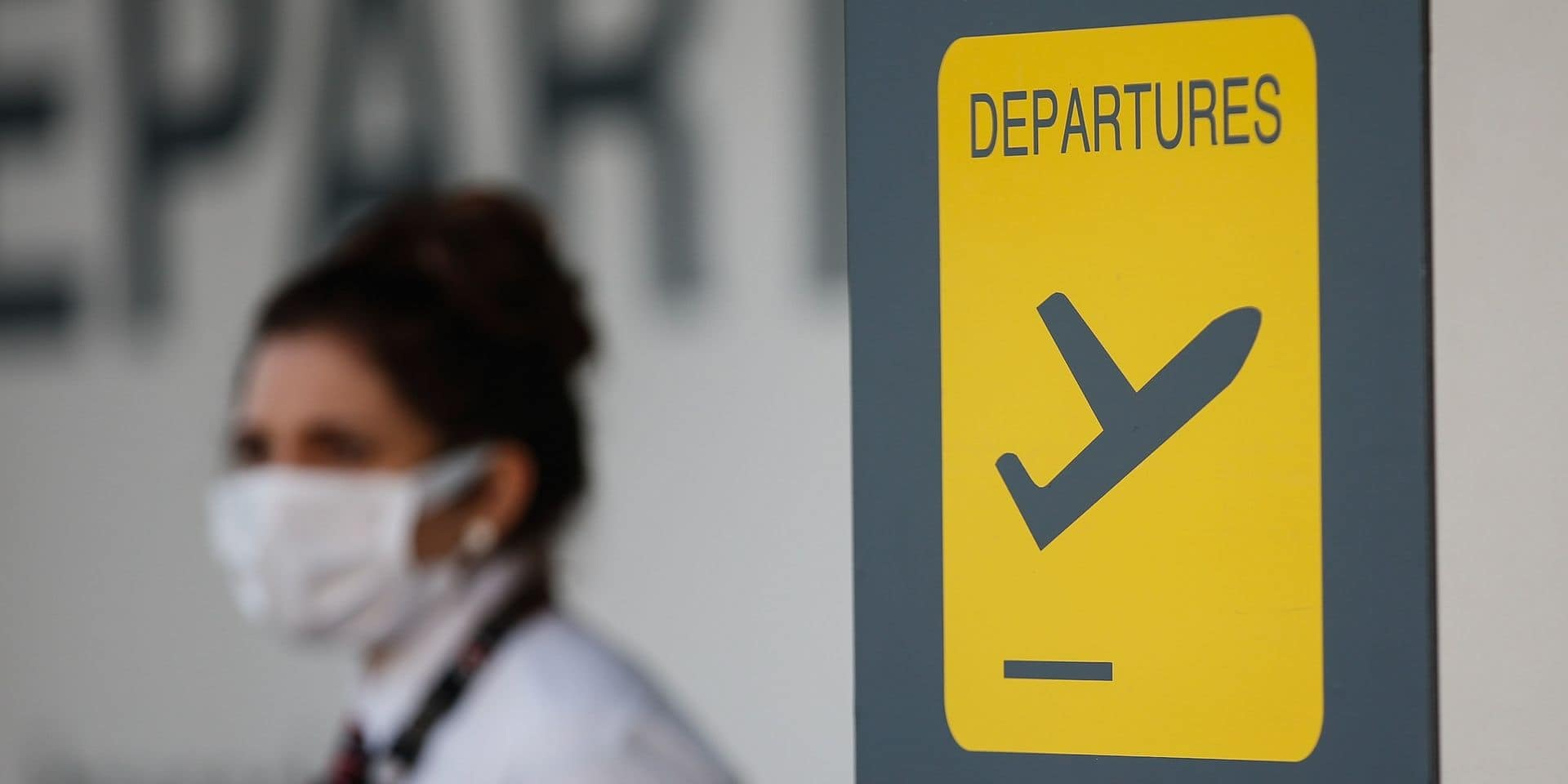 """Demi-tour à Zaventem pour plusieurs familles prêtes à partir en vacances : """"les autorités grecques nous ont demandé d'être plus stricts"""""""