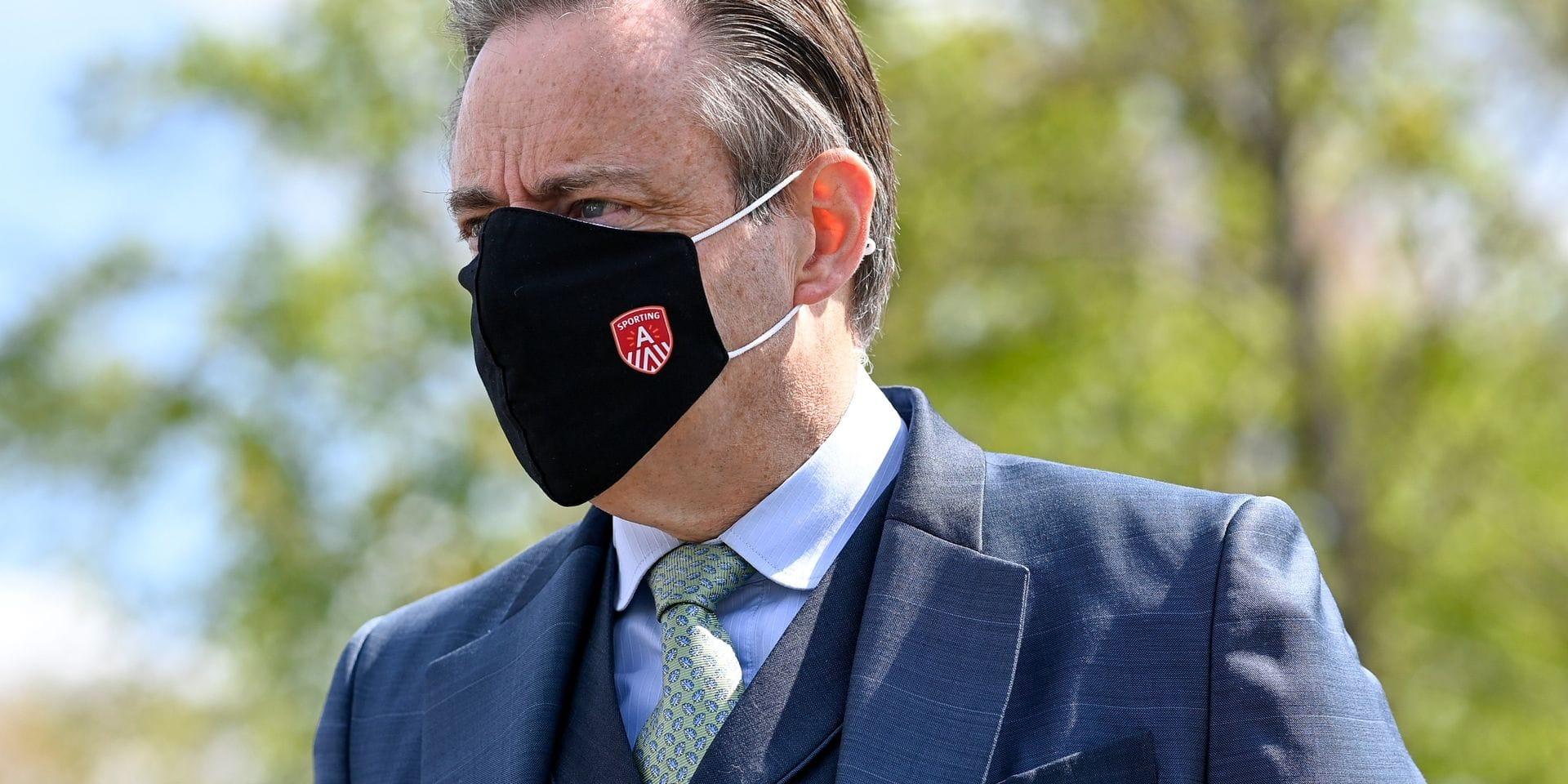 """De Wever tape du poing sur la table: """"Le gouvernement doit revenir sur cette mesure"""""""