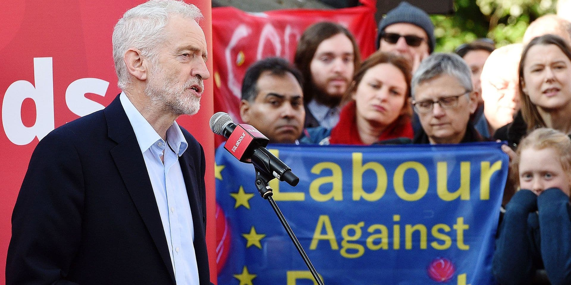 (FILES) In this file photo taken on February 23, 2019 Opposition Labour party leader Jeremy Corbyn addresses at a rally, in Broxtowe, central England. - Britain's main opposition Labour Party said on February 25 it was committed to eventually supporting a second referendum on leaving the European Union if its own plan for Brexit is not approved. (Photo by Oli SCARFF / AFP)