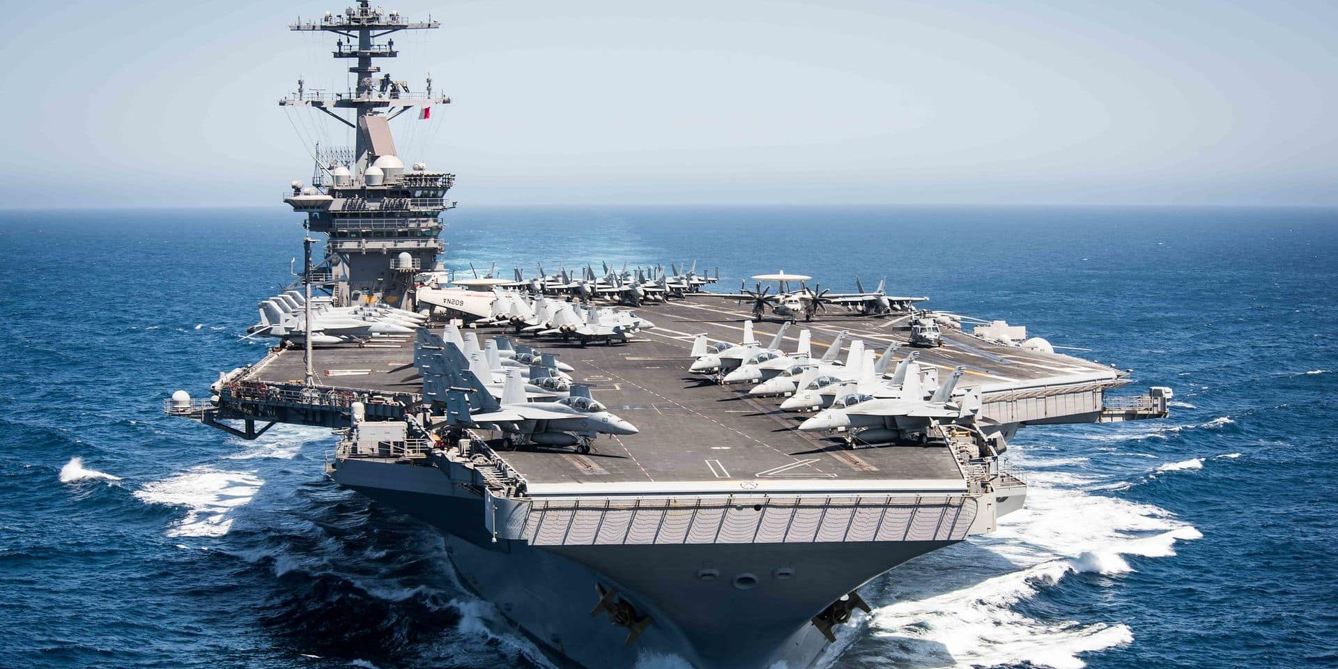 """Le coronavirus à bord de l'USS Theodore Roosevelt, porte-avions de l'enfer: """"Les marins n'ont pas à mourir"""""""