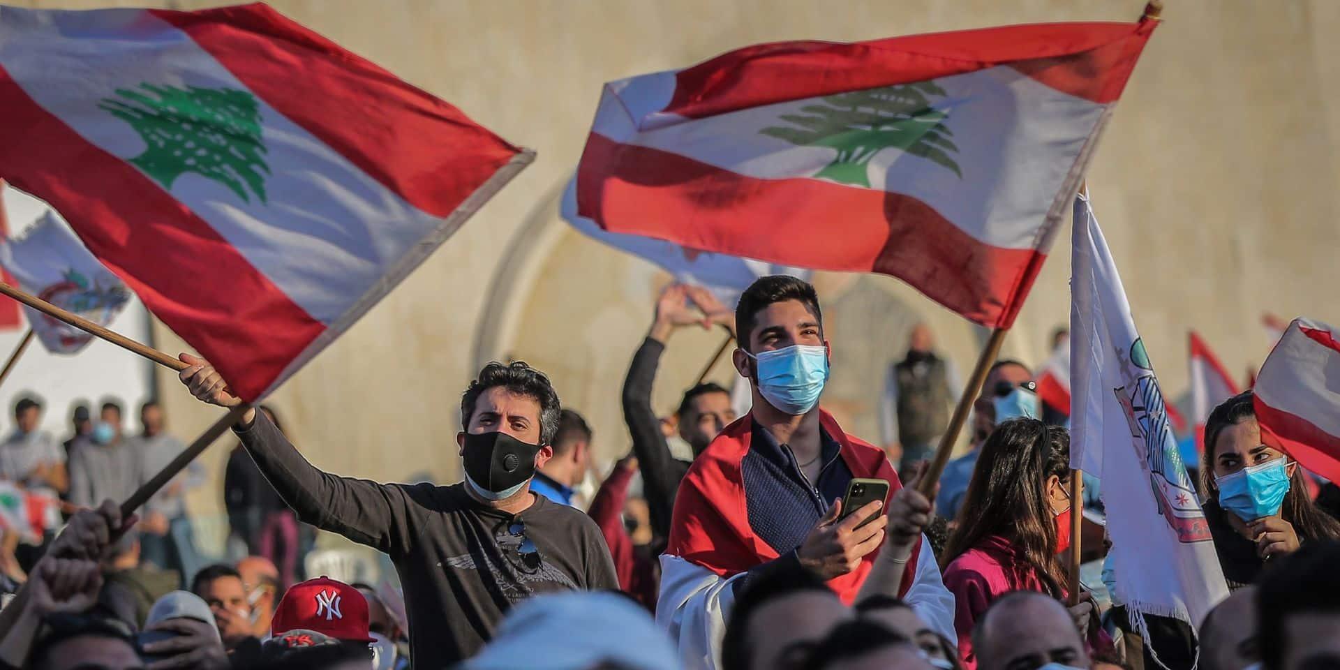 Une crise économique qui survient au cœur d'une violente crise politique au Liban.