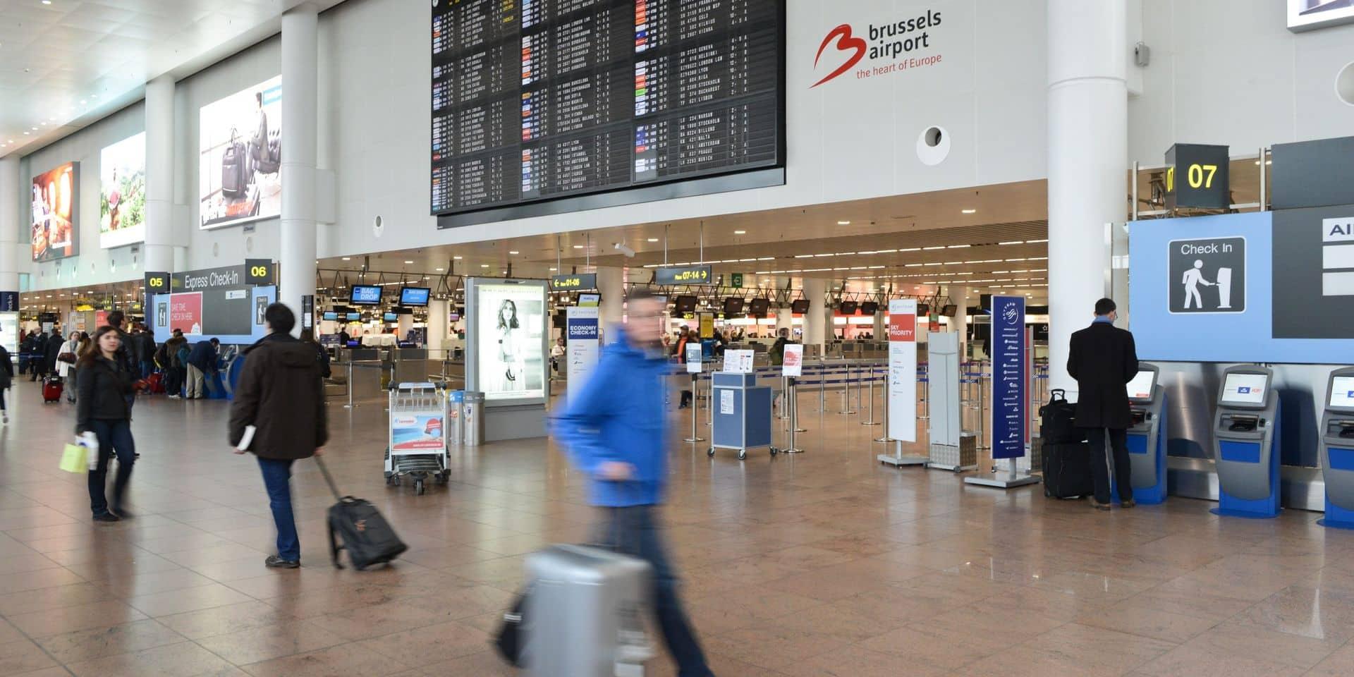 """Face aux variants préoccupants, la Belgique prévoit un """"frein d'urgence"""""""