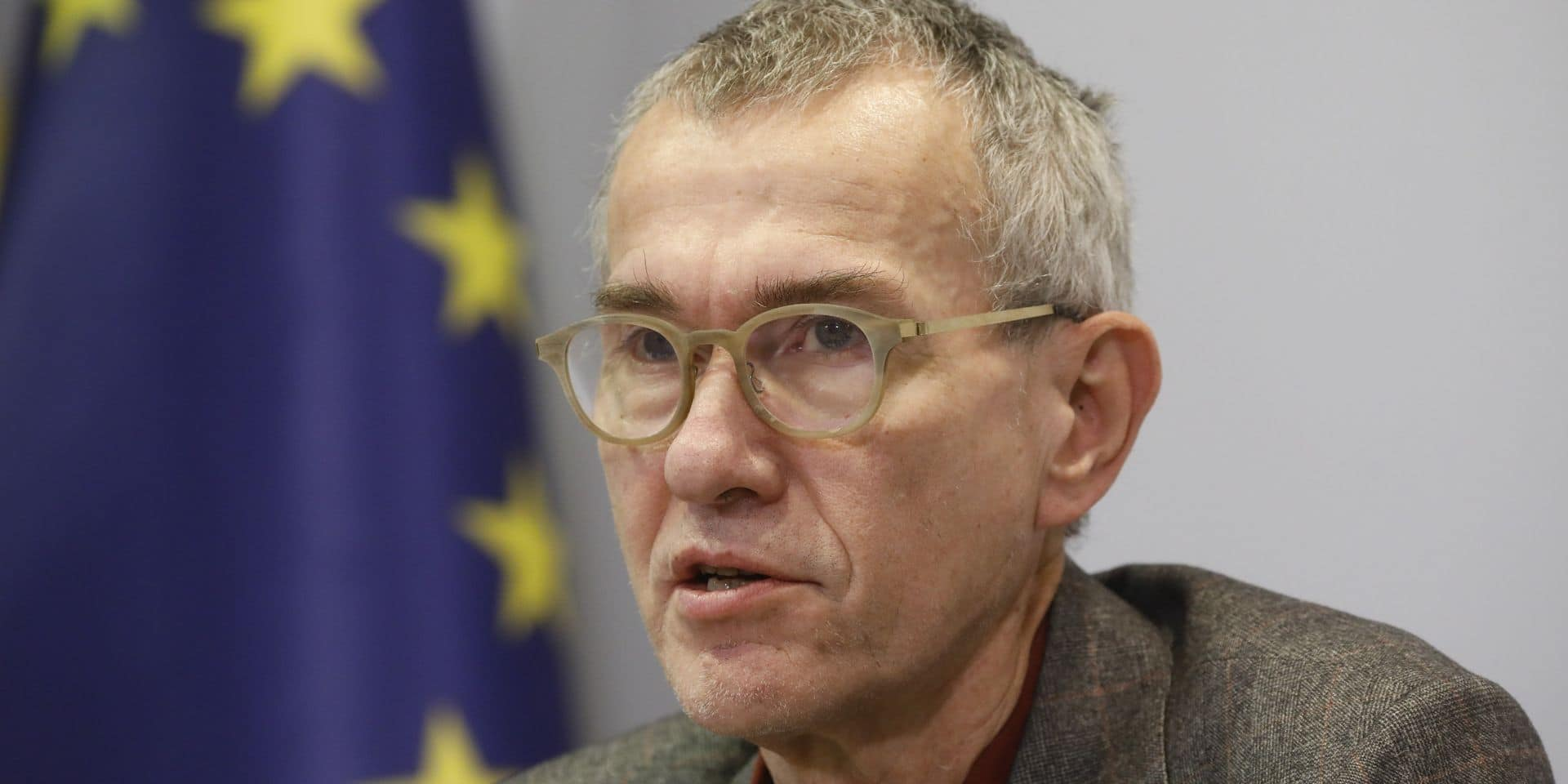 """Frank Vandenbroucke réagit à la polémique: """"Un rapport de la Celeval préconisait bien la fermeture des commerces"""""""
