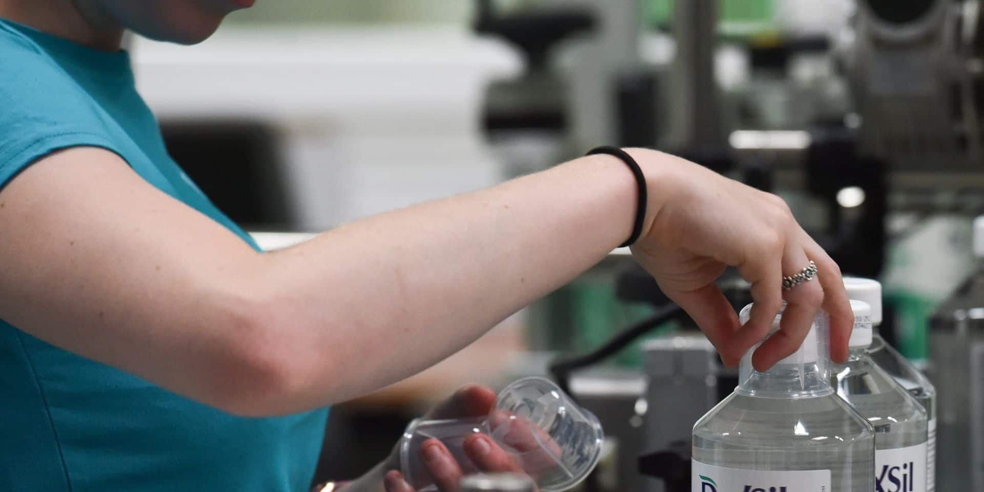 Coronavirus: le gouvernement élargit les exceptions pour l'industrie chimique, les syndicats sont furieux