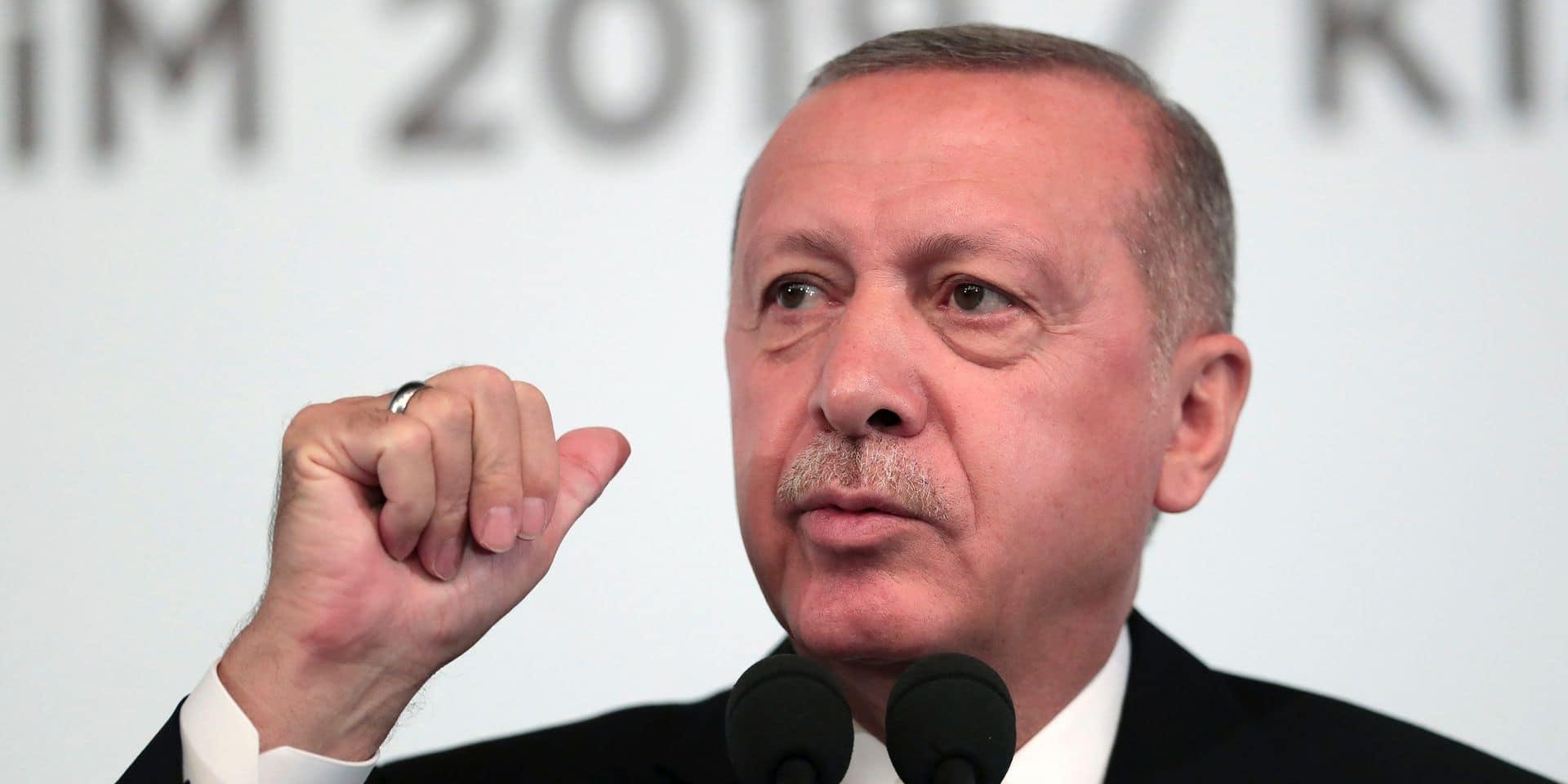 """Conflit en Syrie: Erdogan réitère sa menace d'intervention """"sur terre et dans les airs"""""""