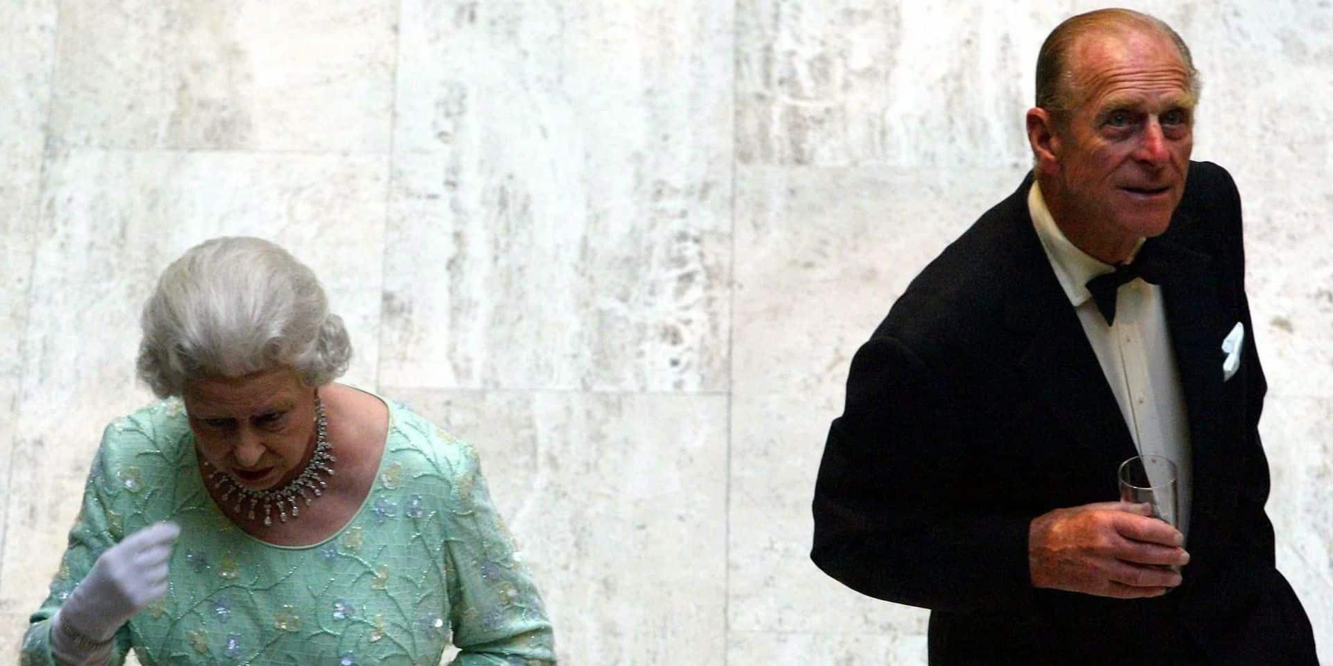 """""""Un grand vide dans sa vie"""": la reine Elizabeth II dévastée par la mort de Philip"""