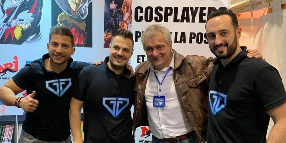 """De gauche à droite: Emmanuel Kesters, Luca Cavalcante, Patrick Borg (le """"voix française de Goku dans Dragon Ball) Antony Van Vaerenbergh."""
