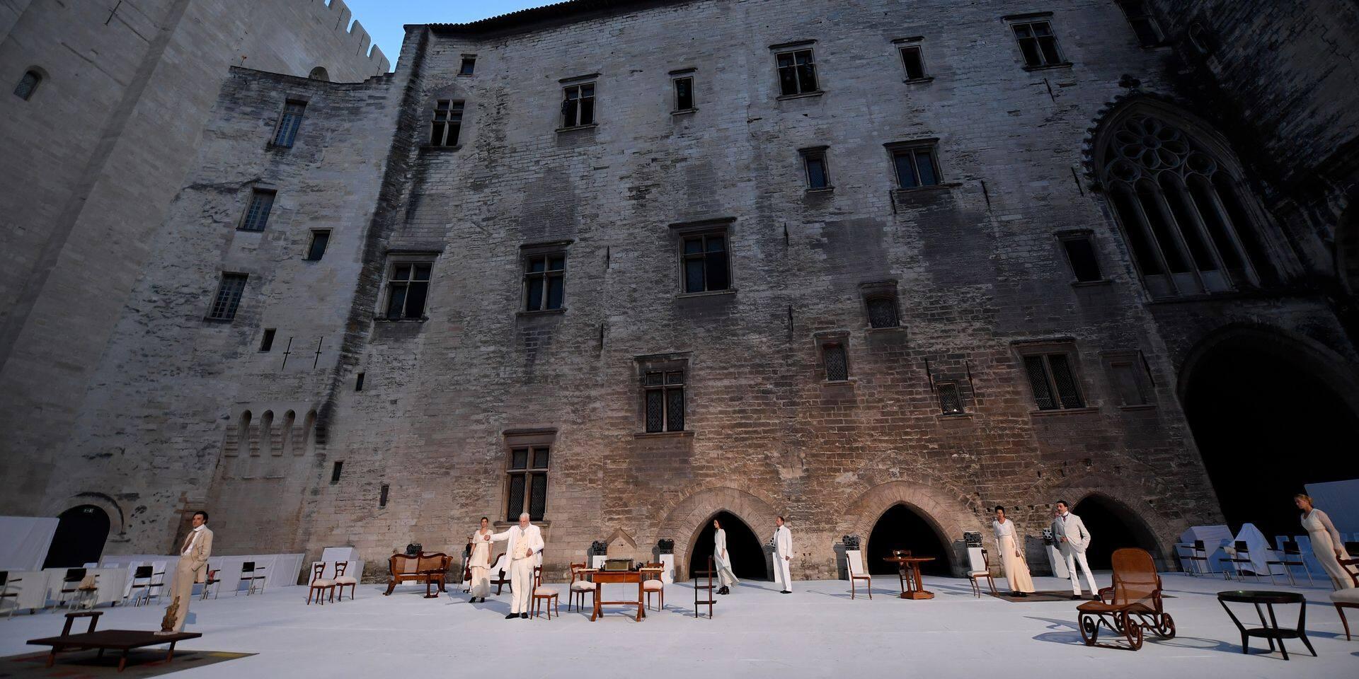 Le Festival d'Avignon hors de la Ville