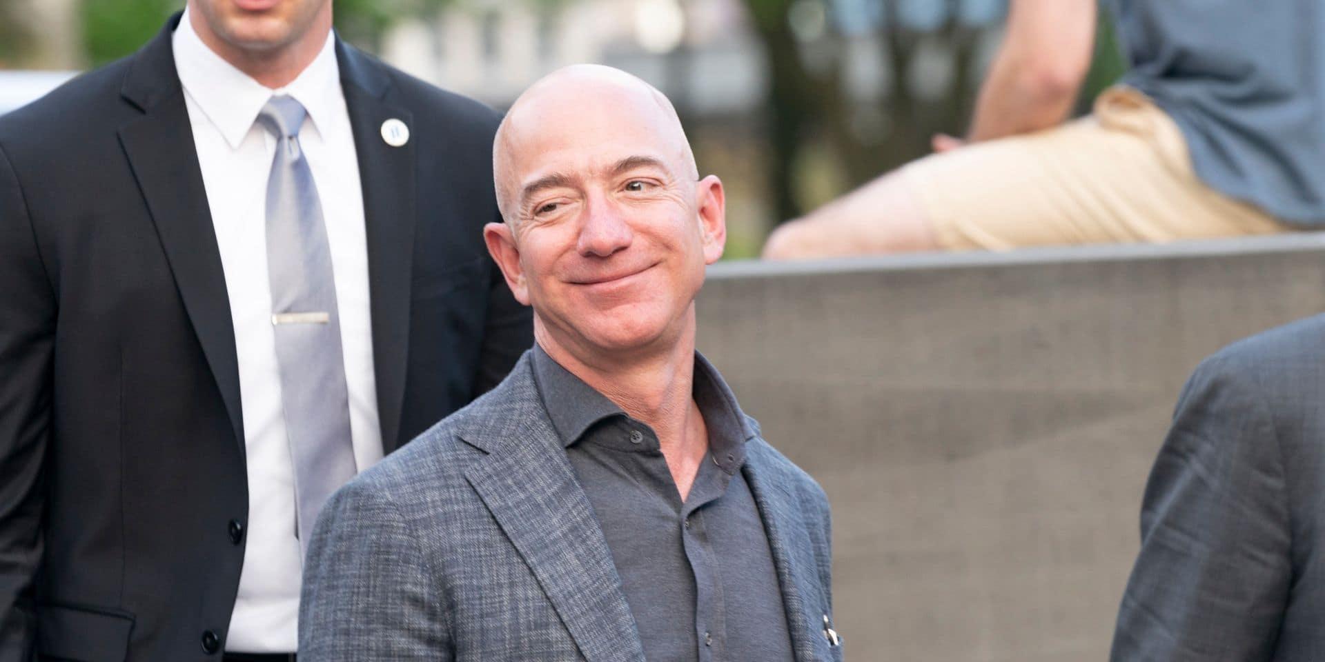 Jeff Bezos revend pour deux milliards de dollars d'actions Amazon