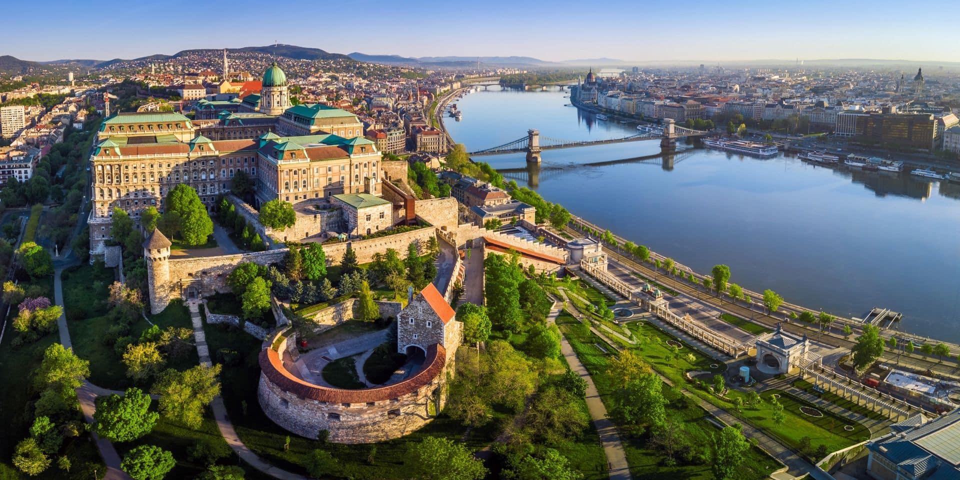 Encore du changement pour les Belges souhaitant voyager à l'étranger: la Slovaquie impose la quarantaine, la Hongrie va fermer ses frontières