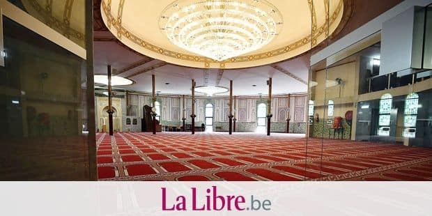 Illustration picture shows inside view of the Great Mosque of Brussels, Tuesday 03 October 2017. BELGA PHOTO ERIC LALMAND