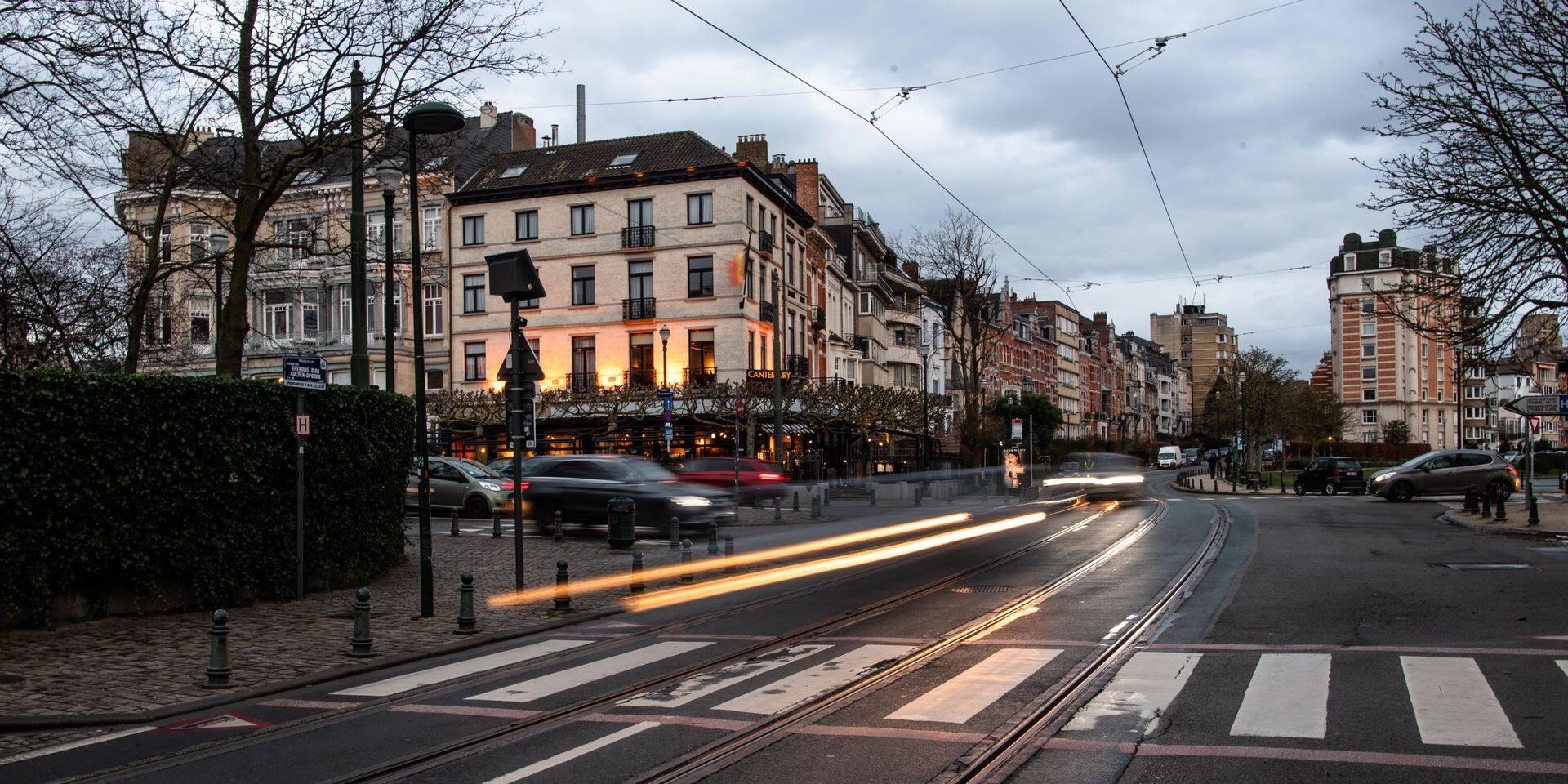 Bruxelles - Ixelles: Zone 30 - limitation de vitesse - exces de vitesse - circulation - voiture - vehicule