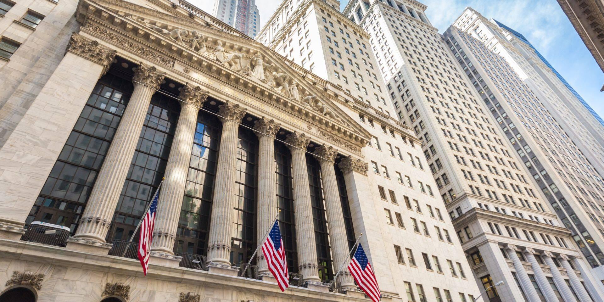 Wall Street en petite baisse à l'ouverture, avant l'annonce de résultats trimestriels