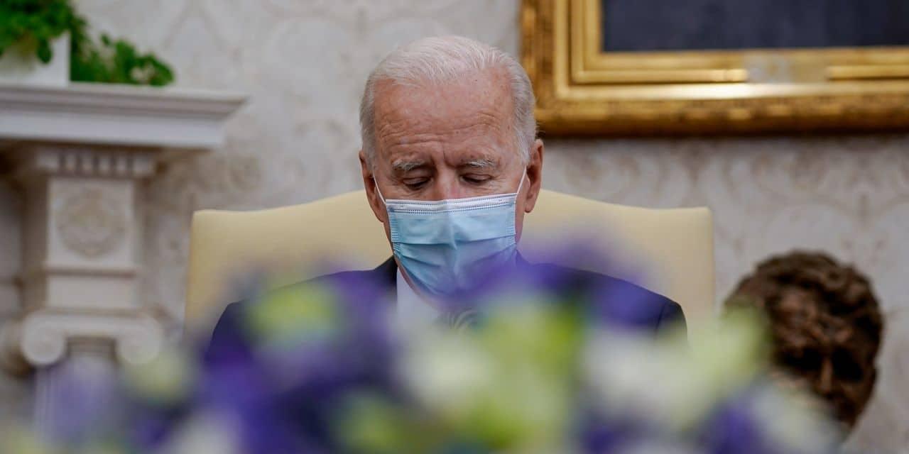"""Le prince Philip, un """"mec du tonnerre"""" pour Joe Biden"""