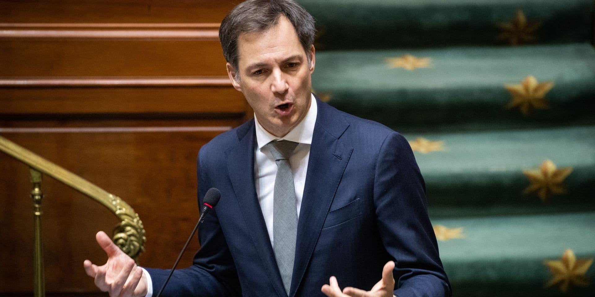 """""""Alors que nous traversons la pire crise économique depuis la Seconde Guerre mondiale, il est inconcevable de ne pas parvenir à un accord"""", soulignait le Premier ministre devant la Chambre."""